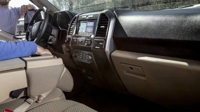 2020-ford-f150-dashboard-image
