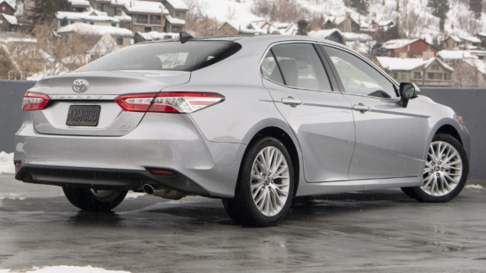 2020-toyota-camry-rear-image